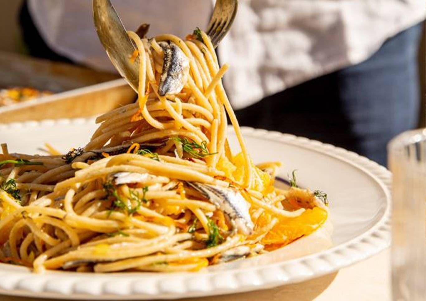spaghetti-integrali-n-104-con-sarde-agrumi-e-finocchietto